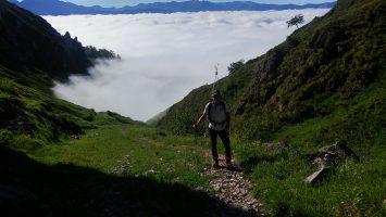 Niebla en el valle de Liébana y sol en los Picos de Europa