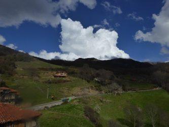 foto de una nube cumulonimnbus sobre Peña Sagra tomada desde Cahecho