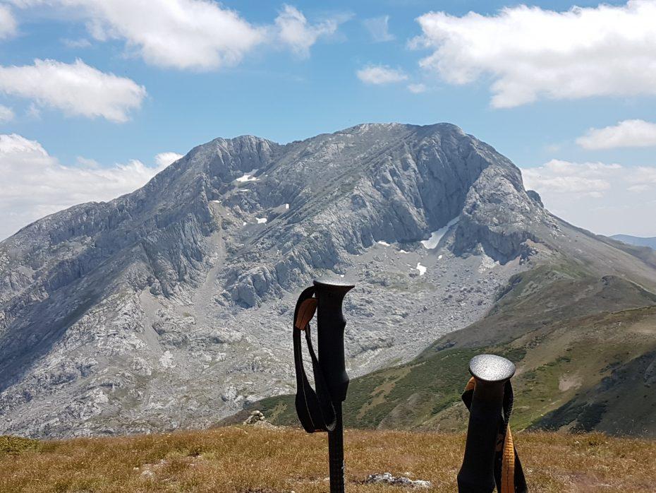Ruta de montaña y foto de la cara norte del Espiguete