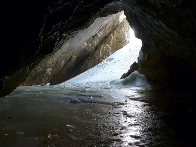 Entrada Cueva del Hielo