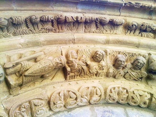 Detalle de la iconografía de Santa María de Piasca